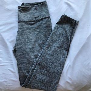 Women's Nike dry-fit leggings